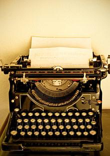 vintage_typewriter_220x312